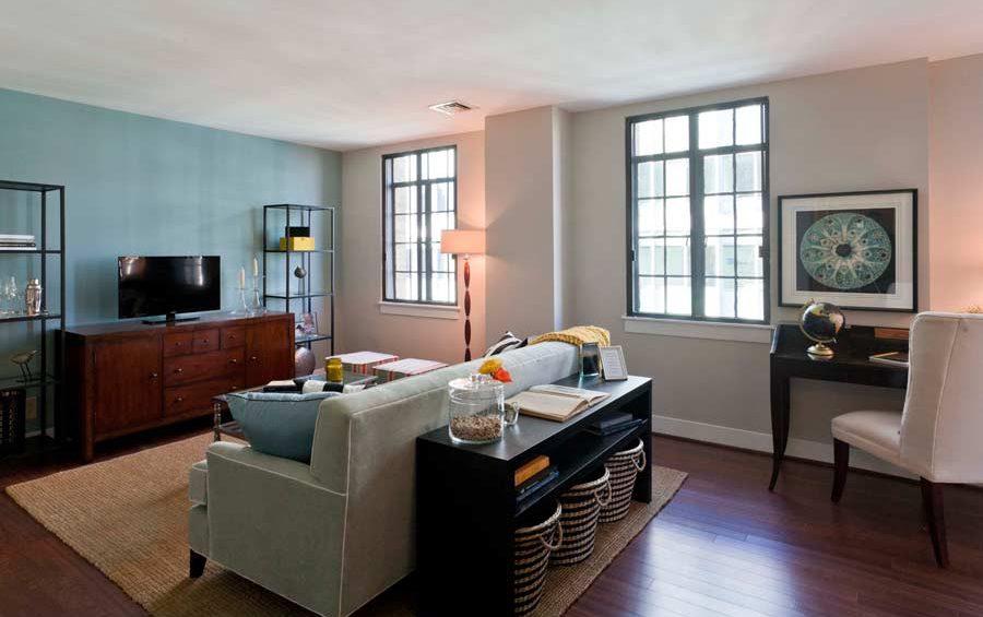 Metro Living Room 900x565