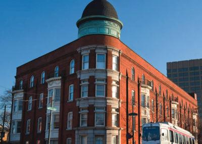 Old-Quaker-building-old-quaker-apartments-apartment-buildings-in-Philadelphia-university-city-rentals-uppen-off-campus-housing-apartments-near-Drexel-university-Gallery-1