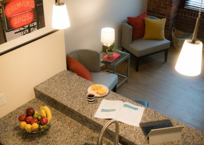 shadyside-pittsburgh-1-bedroom-2-bedroom-upmc-shadyside-dog-friendly-apartments-900x565